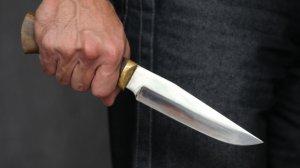 Şəmkirdə 24 yaşlı qız bıçaqlandı