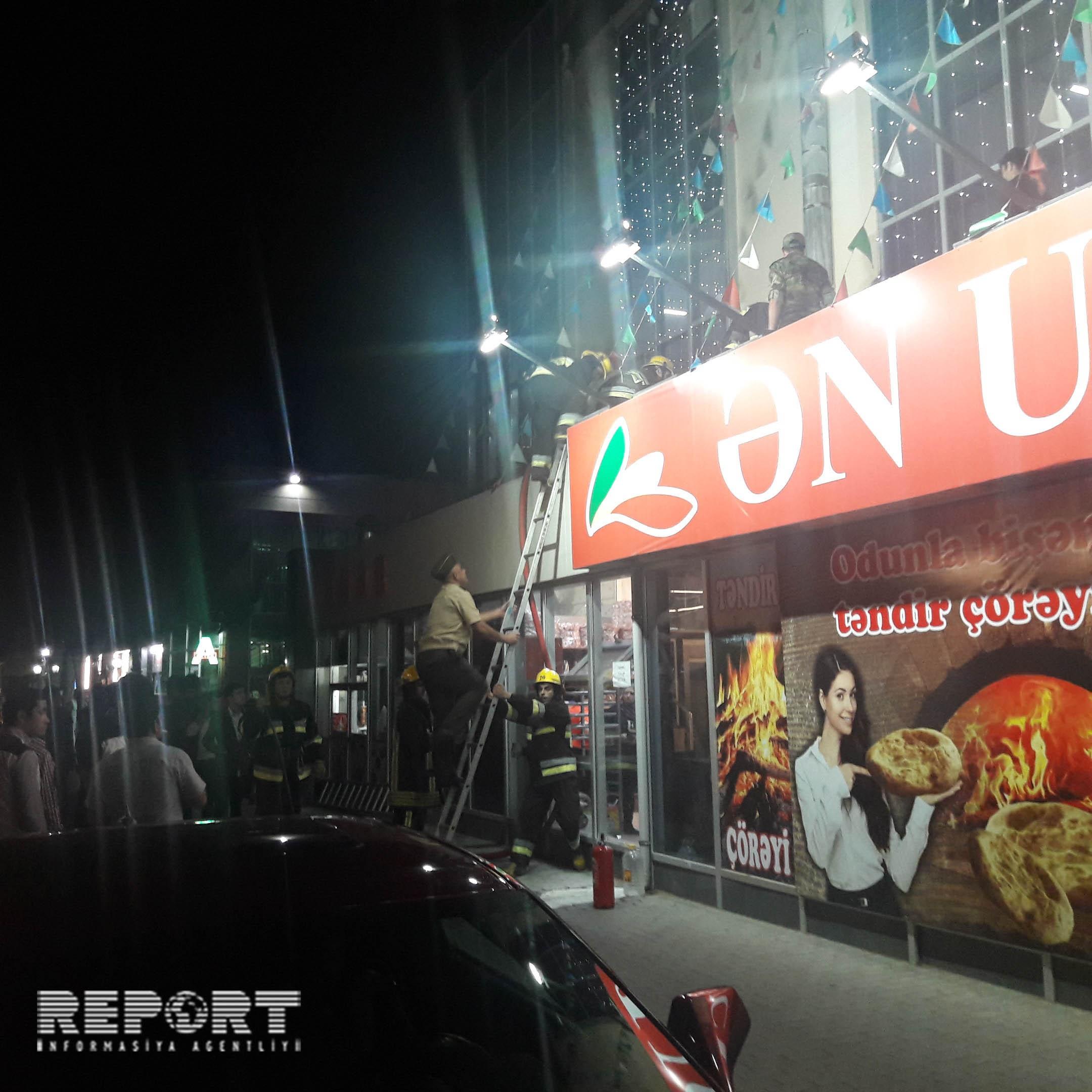 Sumqayıtda market yandı – FOTO