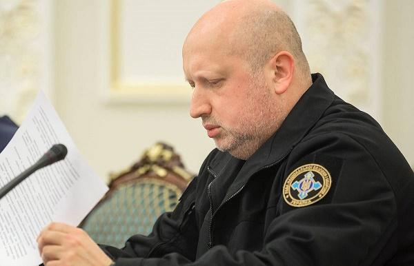 Ukraynada məmurların istefa dalğası başladı