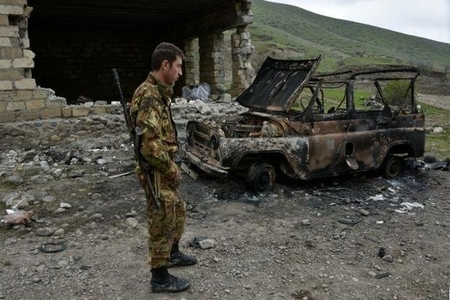 İrəvandan şok etiraf: Yararsızlar da orduya alınır