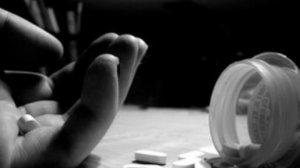 Türkiyədə 19 yaşlı azərbaycanlı 11 dərman içib intihar etmək istədi