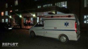 Bakıda avtobus minik maşını ilə toqquşdu: yaralanan var