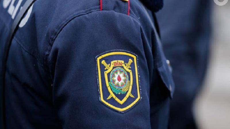 Azərbaycanda polis əməkdaşı DƏHŞƏTLİ QƏTL TÖRƏTDİ – Qadının başını kəsib qaçdı
