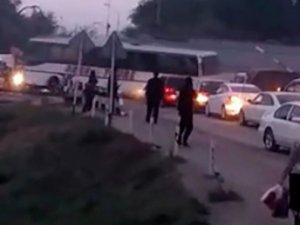 Qazaxıstanda avtobus qatarla toqquşdu