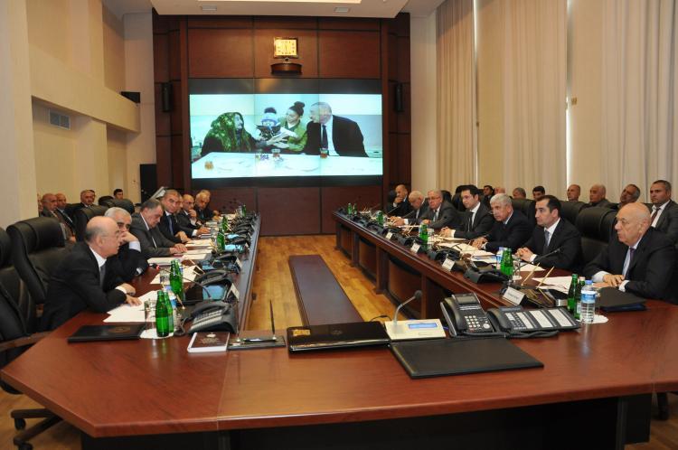 Nazir 3 rayonun icra başçısını Bakıya çağırdı – FHN-də toplantı