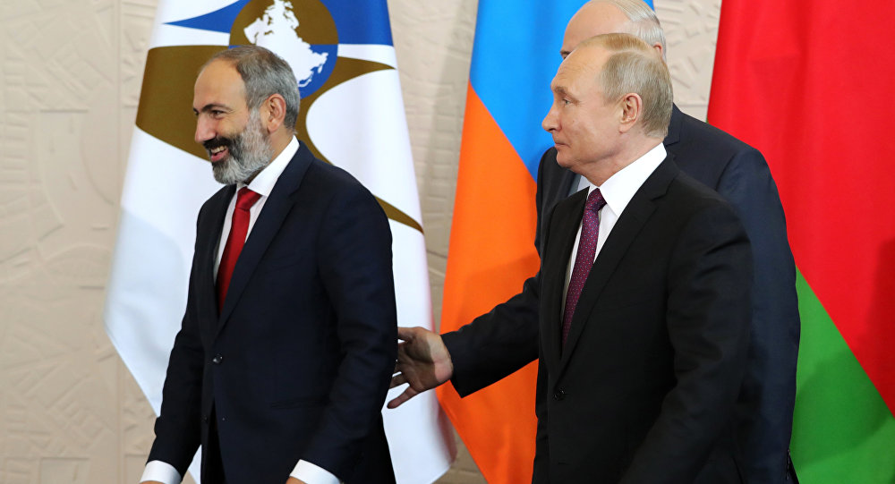Putinin Ermənistan səfəri və ya Moskva ilə Yerevan arasında ÜÇ PROBLEM