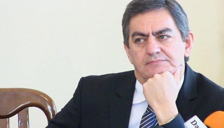 Hakimiyyət Əli Kərimli ilə niyə görüşmür?