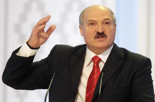 Lukaşenko: Karantin, komendant saatı… Bəs nə yeyəcəyik?