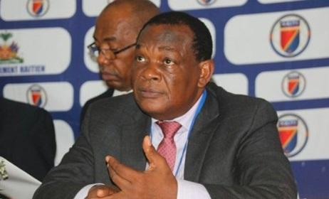 Federasiya prezidentinə şok ittiham – Futbolçuları zorlayıb