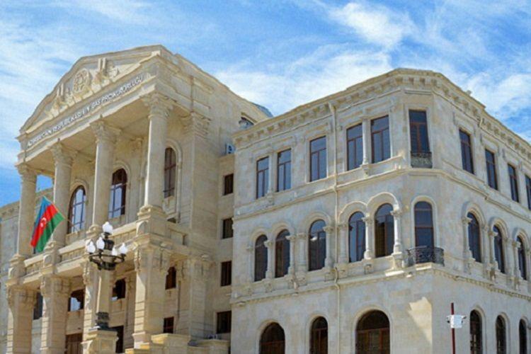 İcra hakimiyyətinin binasından özünü atan şəxs həbs edildi