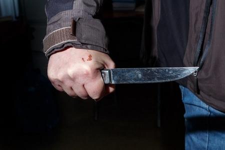 Bakıda qonşu qonşunu bıçaqladı