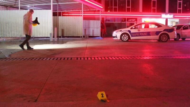 Maşınını yuduzduran 17 yaşlı qızı güllələyib öldürdülər