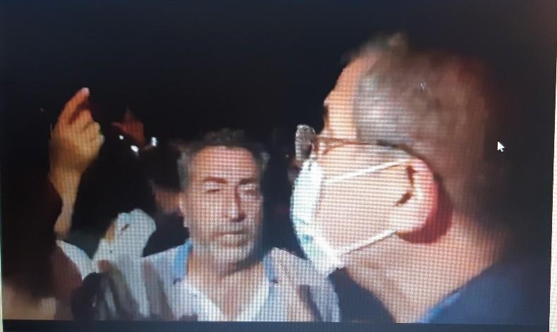 Qaradağda gecəyarısı Qarabağ aksiyası – İcra başçısı aksiyaçıların qarşısına çıxdı