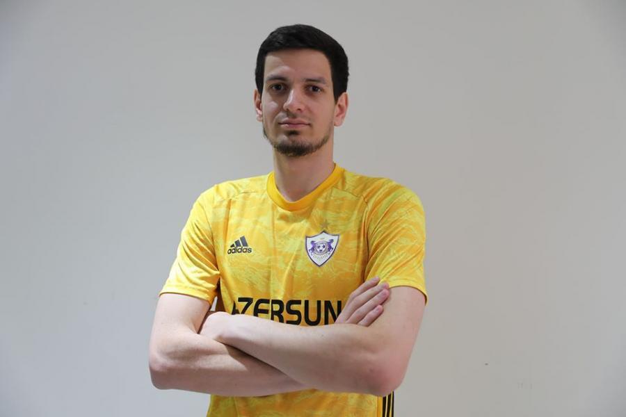Emil Balayev forma nömrəsini seçdi