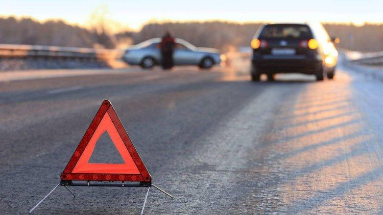 Bakıda 25 yaşlı gənci avtomobil vurdu