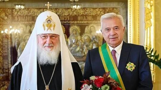 Azərbaycanlı milyarder Rus Kilsəsinin ordenlərinəlayiq görüldü…-FOTO
