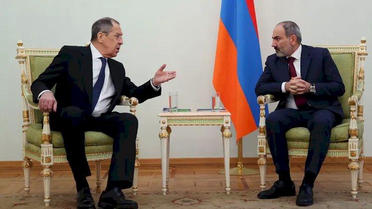 Paşinyan-Lavrov görüşündə niyə Rusiya bayrağı olmayıb? – Rusiya XİN-dən açıqlama