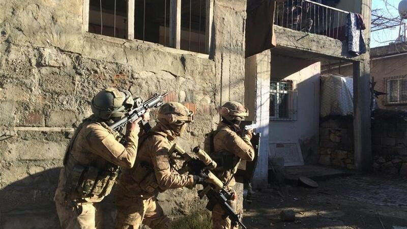 Türk ordusu 35 terrorçunu zərərsizləşdirdi