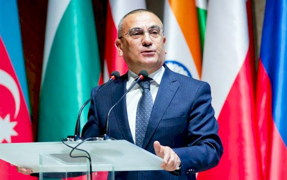 İlham Əliyev icra başçısını vəzifəsindən azad etdi