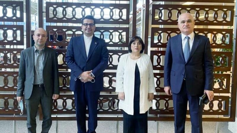 Azərbaycan nümayəndə heyəti İrana getdi