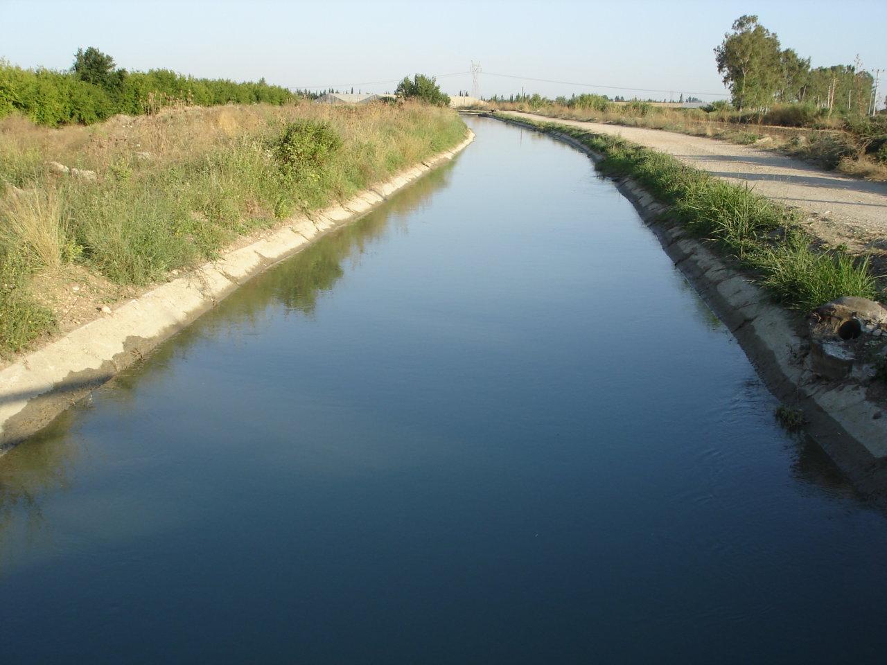 Biləsuvarda dəhşətli hadisə: Ana bir yaşlı körpəsini su kanalına atdı